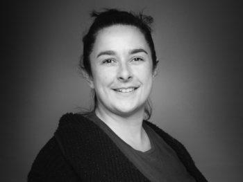 Emilie Boj, salle blanche - chez LDI, spécialiste de Rapid Transfer Port (RTP)
